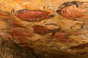 Representación de Conjunto de Bisontes en Cueva de Altamira. Fuente: http://www.museodealtamira.mcu.es