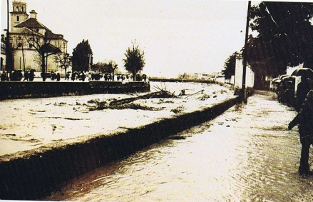La-crecida-del-genil-arranca-el-puente-pasarela-de-las-brujas-el-16-de-febrero-de-1963-1