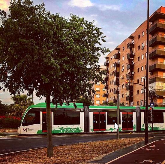 """2018-07-30 13_51_46-Juan Carlos Gómez Vargas en Instagram_ """"Transporte #sostenible en #Granada_ #Met"""