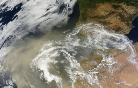 El-polvo-desertico-del-sahara-enfria-la-peninsula-iberica